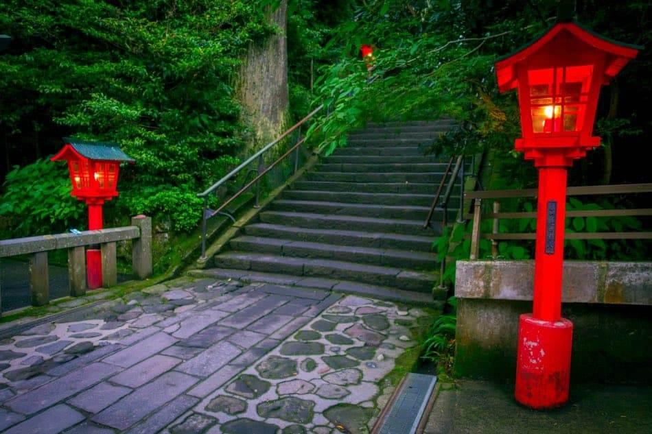 Via che porta al Santuario di Hakone